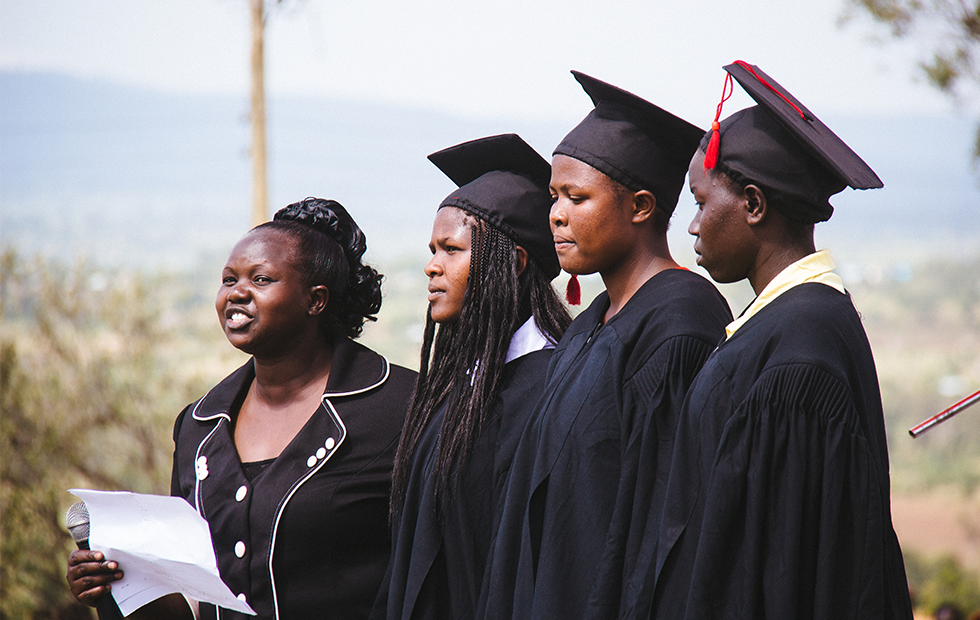 KisaruniGraduationPhotos_980x620_JAN29-2015-_0003_kisaruni-15