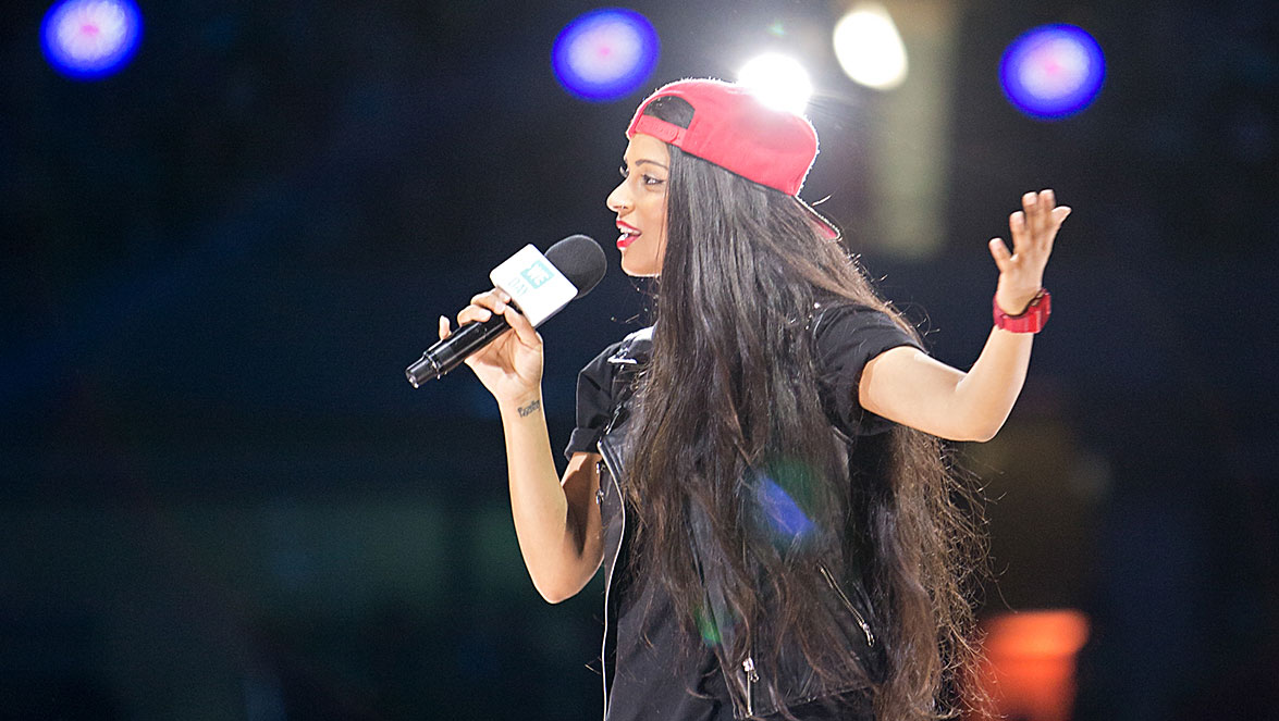 Lily_Singh_On_Stage3
