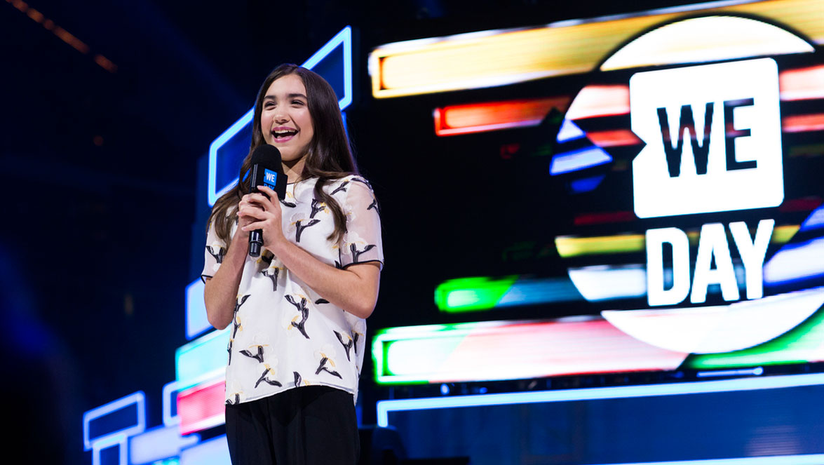 Rowan_On_Stage