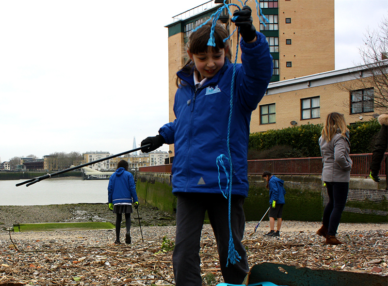 London students clean up the Thames - Feature Image
